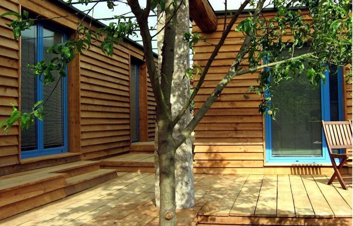 Porche Cabana Suite