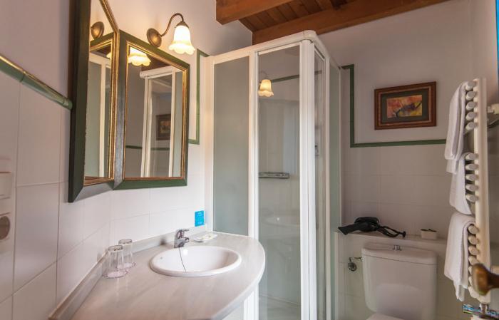 Baño Habitación 2 Casa Perfeuto Maria